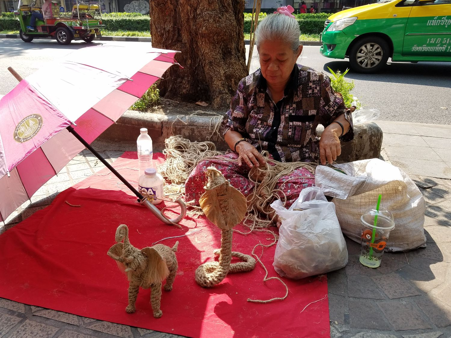 This lady made sculptures from string... what a creative idea!